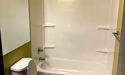 Bathroom, 346 W Breckenridge St, 2