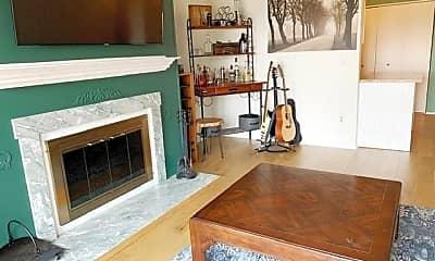 Living Room, 950 Cove Rd C8, 0