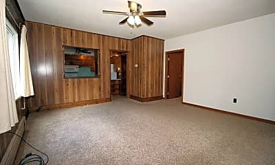 Living Room, 517 Valentine St, 1