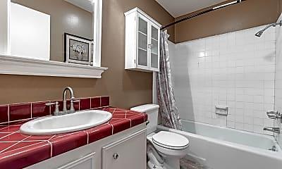 Bathroom, 1925 Overland Ave, 2