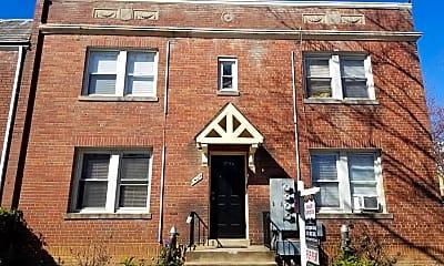 Building, 1424 Staples St NE 3, 0