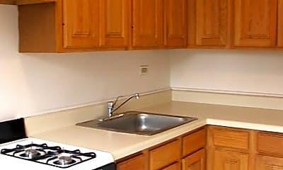 301 Custer Apartments, 2