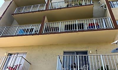 Blue Lake Apartments, 2
