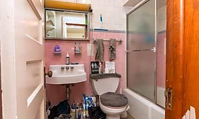 Bathroom, 2823 W Shakespeare Ave, 1