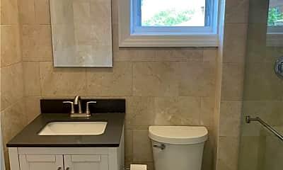 Bathroom, 154-19 19th Ave, 2