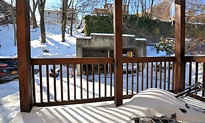 Patio / Deck, 124 Columbia St, 2