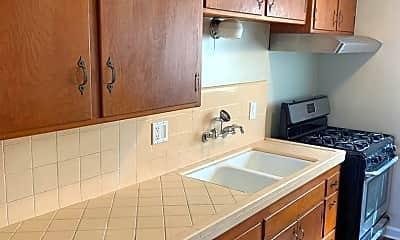 Kitchen, 3151 North Park Way, 1