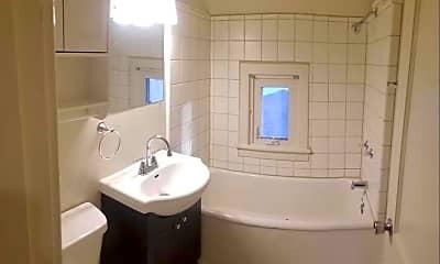 Bathroom, 824 Johnson St, 1