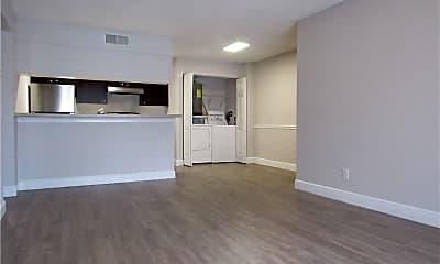 Living Room, 5323 Summerlin Rd 2304, 1