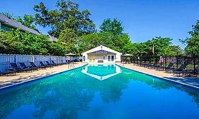 Pool, Eastwind, 1