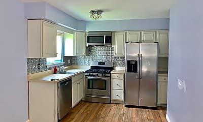 Kitchen, 9 Fanelli Ln, 1