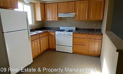 Kitchen, 2702 Pine St, 0