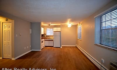 Living Room, 499 W Progress Ave, 1