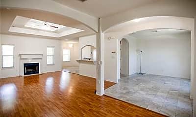 Living Room, 2601 Deer Stand Loop, 1