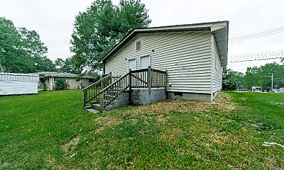 Building, 910 N Morris St, 1