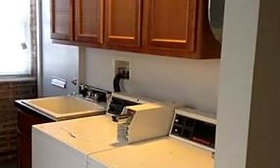 Kitchen, 6120 N Kenmore Ave, 2