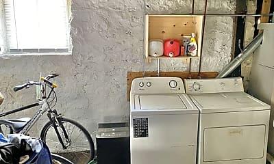 Kitchen, 1312 St James Ct, 2