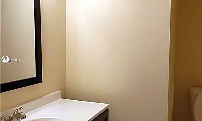 Bathroom, 1301 NE 7th St 305, 1