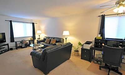 Living Room, Carriage Hill Apartments, 1