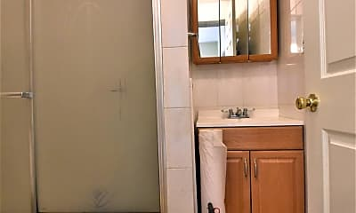 Bathroom, 1224 Summer St 1, 2