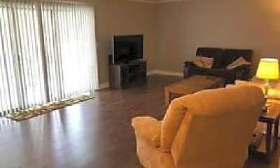 Living Room, 1633 River St, 2