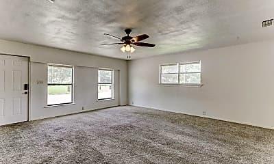 Living Room, 490 Everett Ave, 2