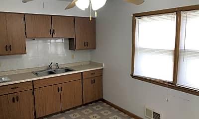 Kitchen, 622 S 68th St, 2