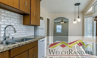 Kitchen, 153 Country Club Dr, 2