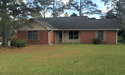 Building, 104 Rolling Pines Dr, 1