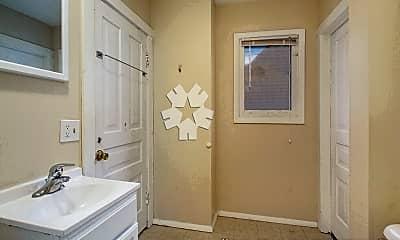 Bathroom, 737 5th St NW, 2