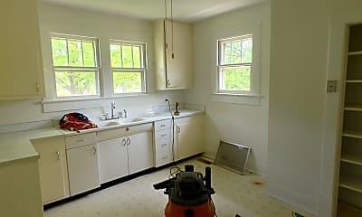 Kitchen, 3212 E 44th St, 2