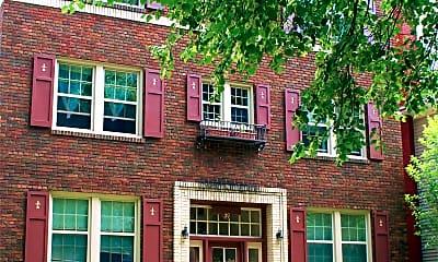 Building, 39 Vick Park B, 2
