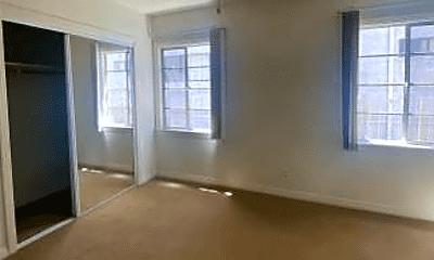 Living Room, 228 W 4th St, 0