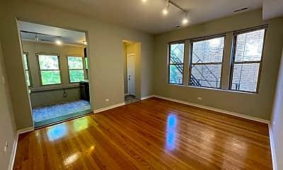 Living Room, 4740 N Malden St, 1
