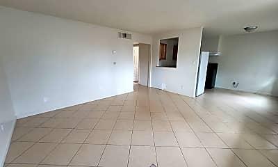 Living Room, 2300 N Carson St, 1