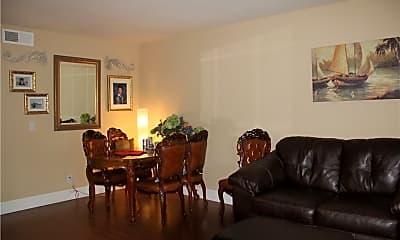 Living Room, 182 W Yale Loop 14, 1