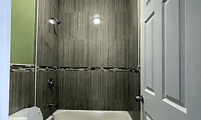 Bathroom, 453 S 18th St, 2