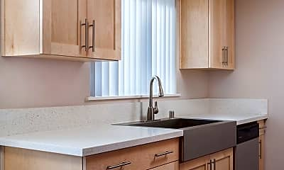 Kitchen, The Pines At Montclair, 1