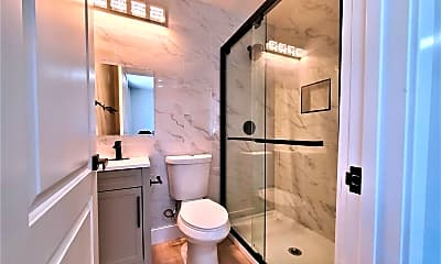Bathroom, 846 Isabella Street, 1