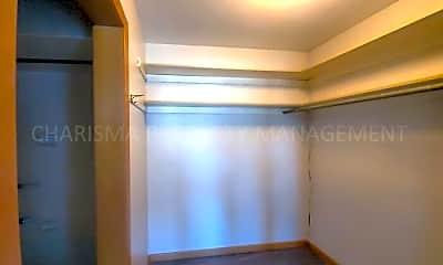 Bathroom, 512 W 16th St, 2