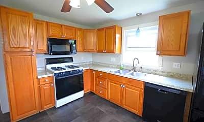 Kitchen, 7 Arrow Ln, 1
