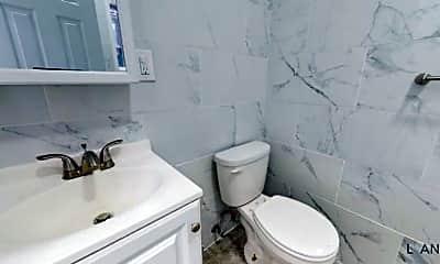 Bathroom, 2499 Cambreleng Ave, 2