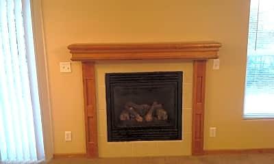 Living Room, 2518 Deerfield Blvd, 1