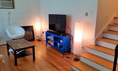 Living Room, 520 N West St, 1
