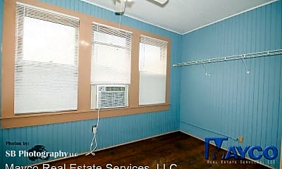 Bedroom, 1101 College St, 2