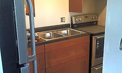 Kitchen, 939 E Homer St, 0