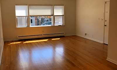 Living Room, 5737 N Elston Ave, 2
