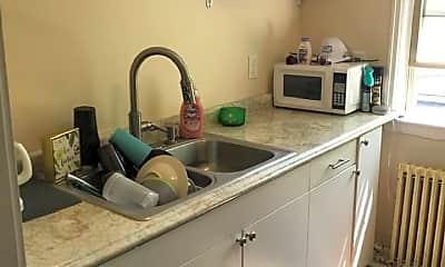 Kitchen, 604 Orange Ave E, 1