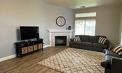 Bedroom, 4357 W Harvard Ave, 1