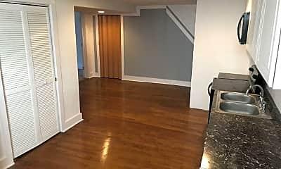 Kitchen, 464 Natchez St, 1